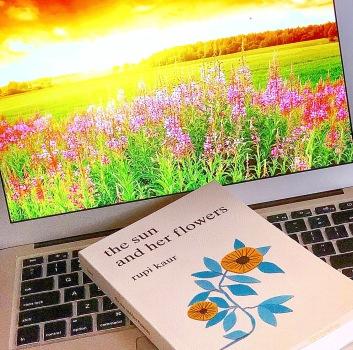 www.dgbookblog.com:the.sunshine.and.her.flowers.rupi.kaur