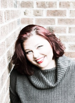 www.dgbookblog.com:KateStewart-AuthorPhoto2