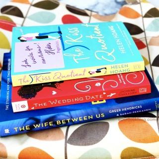 www.dgbookblog.com:thanksgiving.giveaway